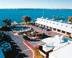 Lake Edge Resort (Vic) image