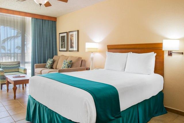 La Cabana Beach Resort and Casino (prev Beach and Racquet Club) image