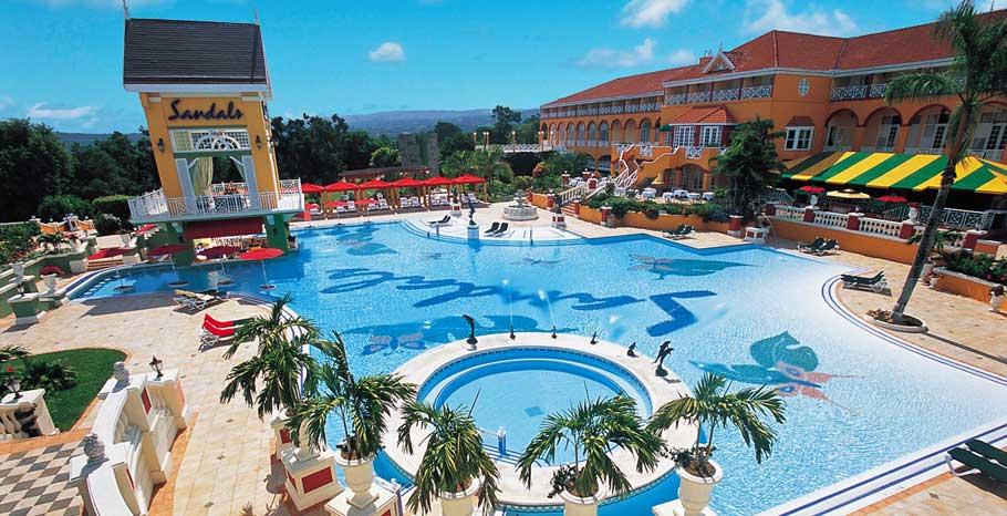 TUG - sandals grande riviera beach , villa golf resort