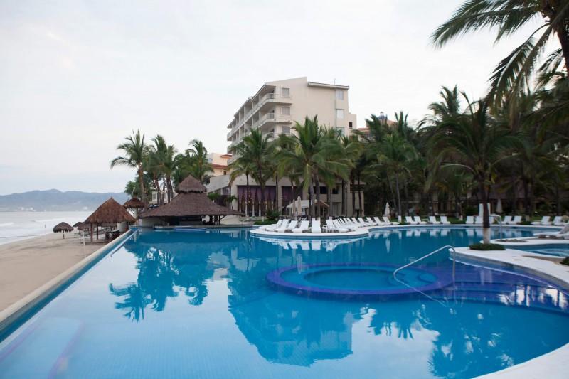 krystal grand nuevo vallarta (bel air resort & spa)