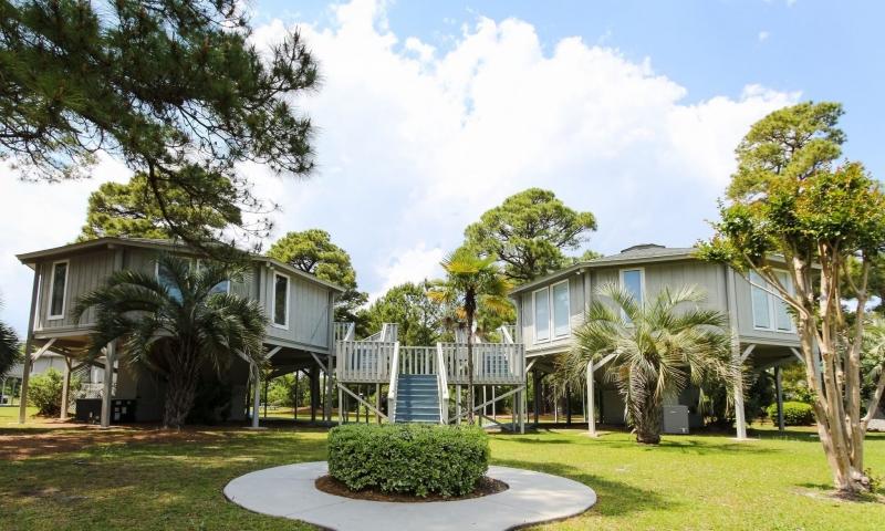 Country Club Villas image