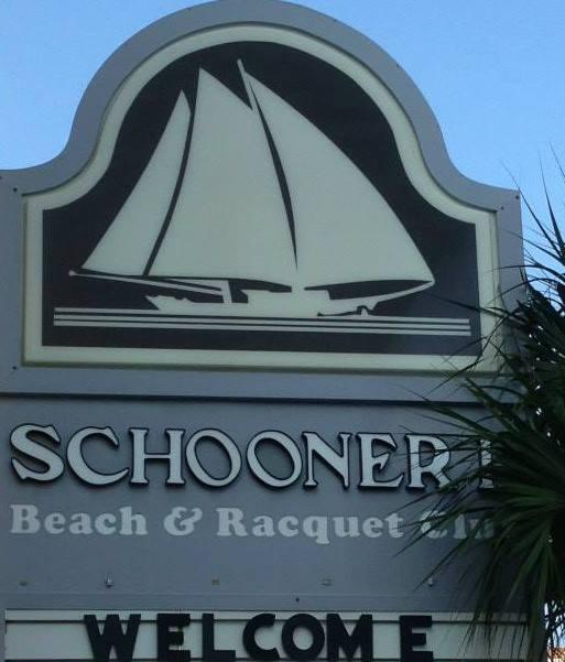 schooner ii beach and racquet club