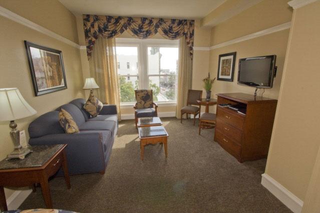 Gaslamp Plaza Suites image