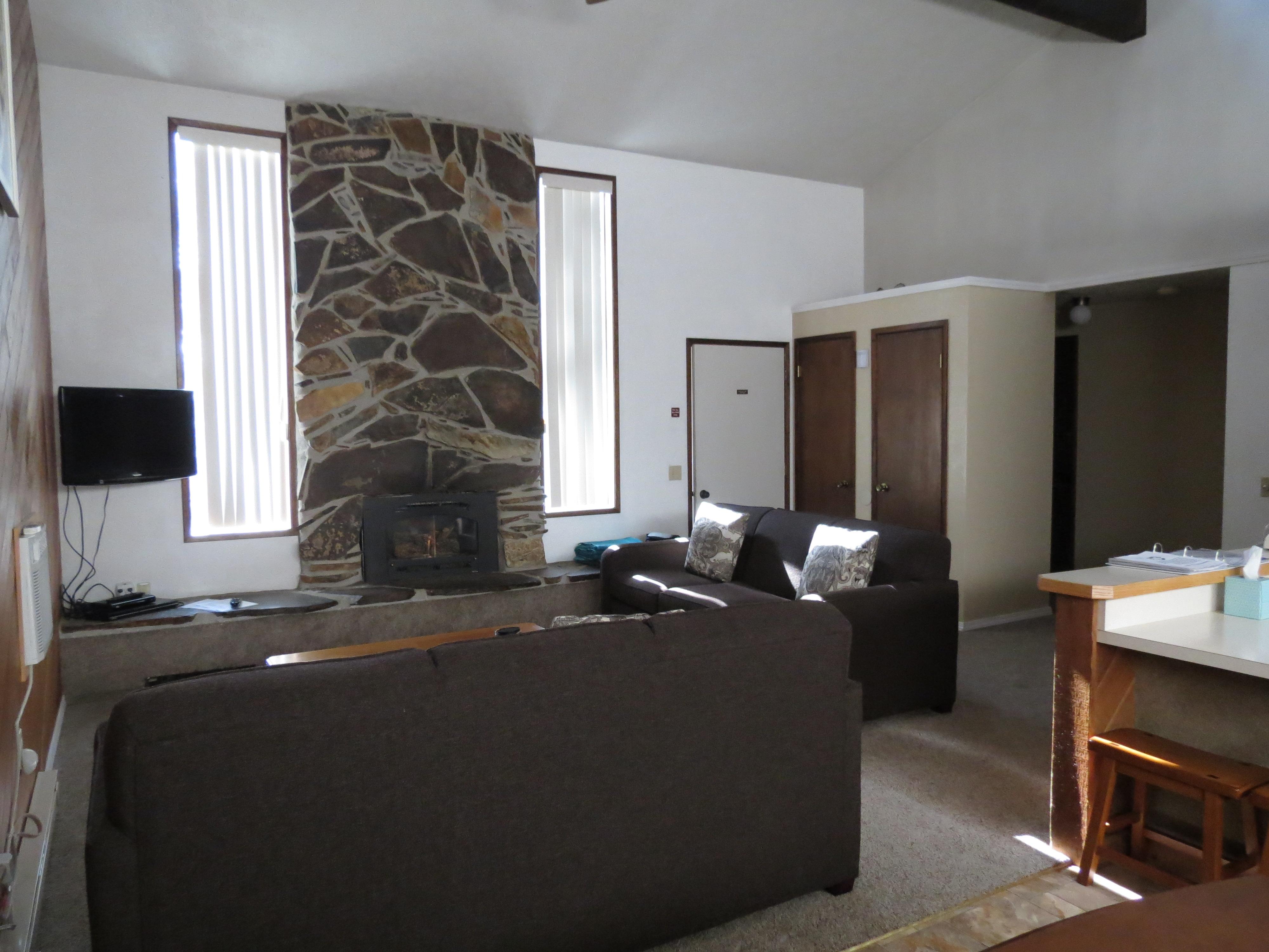 Crestwood Resort image