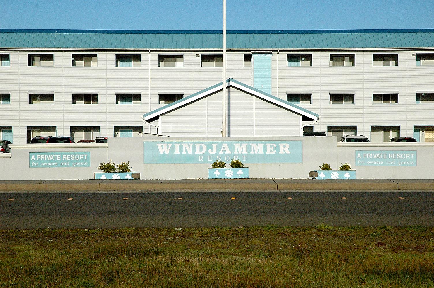 Windjammer Condominiums image